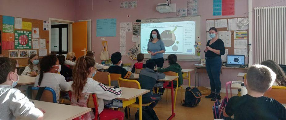 Intervention sur les Droits de l'enfant en Bretagne avec Hildegard et Tifenn
